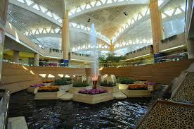 إسناد مهمات أفراد «6» جهات حكومية في مطار الرياض لشركة أمنية