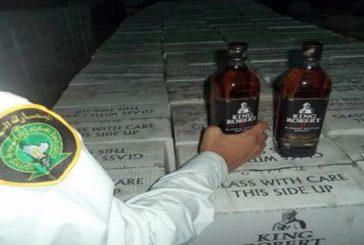 جمرك البطحاء .. يحبط تهريب 23 ألف زجاجة خمر في إرسالية أكواب بلاستيكية