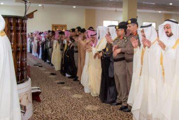 أمير منطقة الباحة يؤدي صلاة العيد مع المصلين يستقبل المهنئين بعيد الفطر المبارك