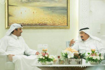 خادم الحرمين يستقبل أمير دولة قطر بطنجة