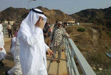 بالصور ..وزير البيئة والمياه والزراعة يقف على سد وادي بيش وجازان