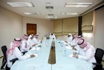 عيد يجتمع برؤساء أندية الأولى ويناقش معهم مخصصات المالية