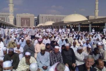 إمام المسجد النبوي يحذر من أذية ضيوف الرحمن ومن الحج بدون تصريح