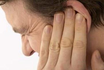 أسباب و أعراض ألم الأذن المستمر