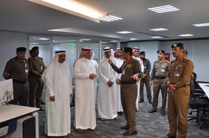 زيارة مدير مكافحة المخدرات لمركز عمليات ٩١١ بمنطقة مكة المكرمة