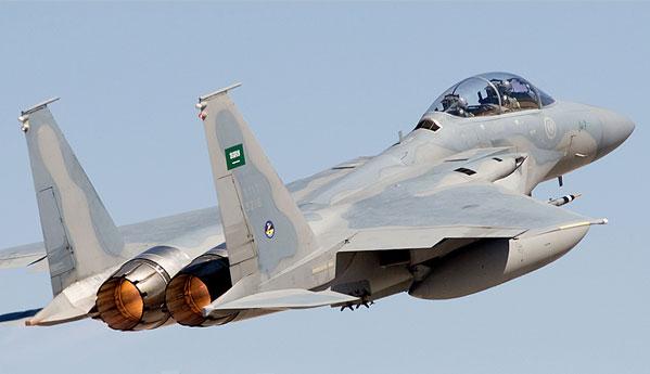 """القوات الجوية تقضي على قيادات حوثية في """" كهف """" قرب حدود المملكة"""