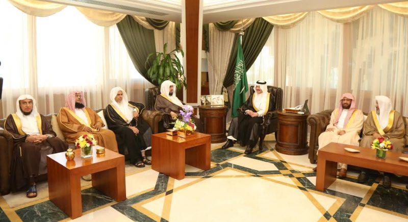 الأمير سعود بن نايف يستقبل رئيس محكمة الاستئناف وقضاة الاستئناف والتنفيذ والمحكمة العامة بالمنطقة الشرقية