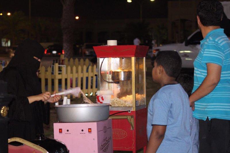اطباق الأسر المنتجة تجتذب زوار فعاليات العيد بالجبيل