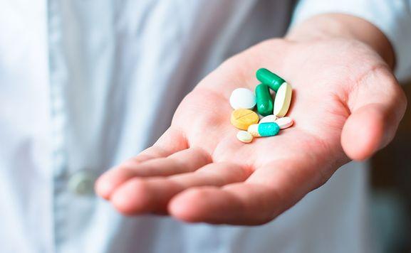 مخاطر الإفراط في تعاطي المضادات الحيوية