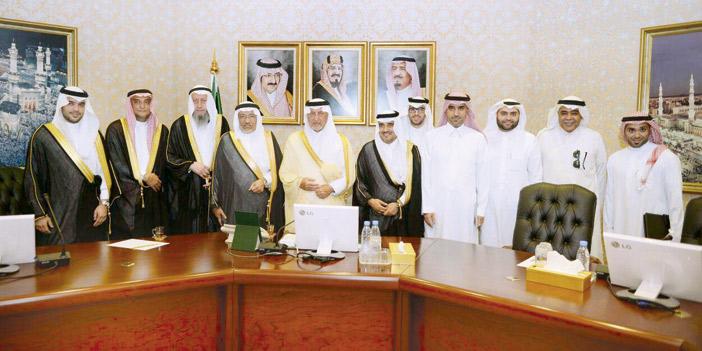 الأمير خالد الفيصل يُبارك إنشاء أول جامعة أهلية بتخصصات طبية