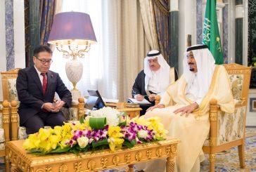 خادم الحرمين يستقبل وزير الاقتصاد ووزير الدولة للشؤون الخارجية اليابانيين