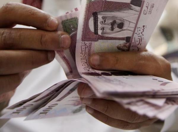 مصادر: صرف رواتب موظفي الدولة قبل القطاع الخاص بخمسة أيام