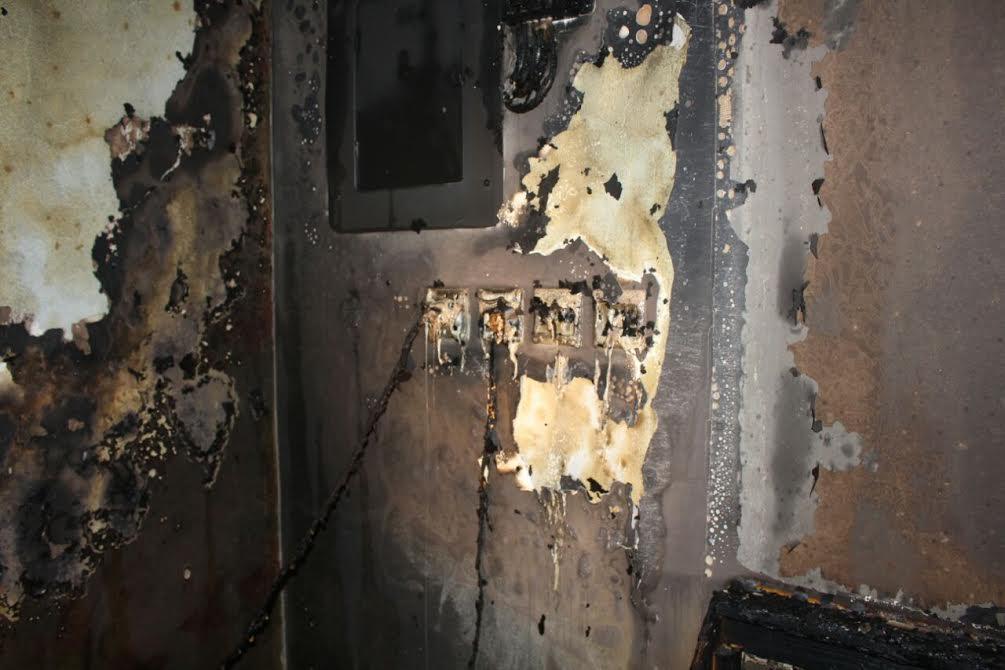 """""""ماس كهربائي"""" يتسبب في حريق ببنايه ثلاثة أدوار بالمندق"""