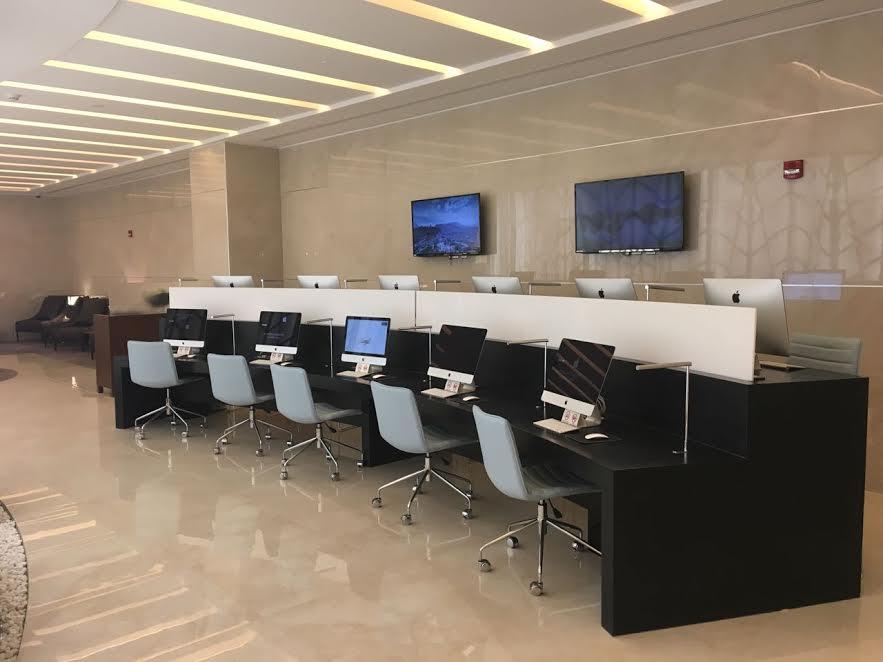 الخطوط السعودية تدشن صالة (الفرسان) الجديدة بمطار الملك خالد في الرياض