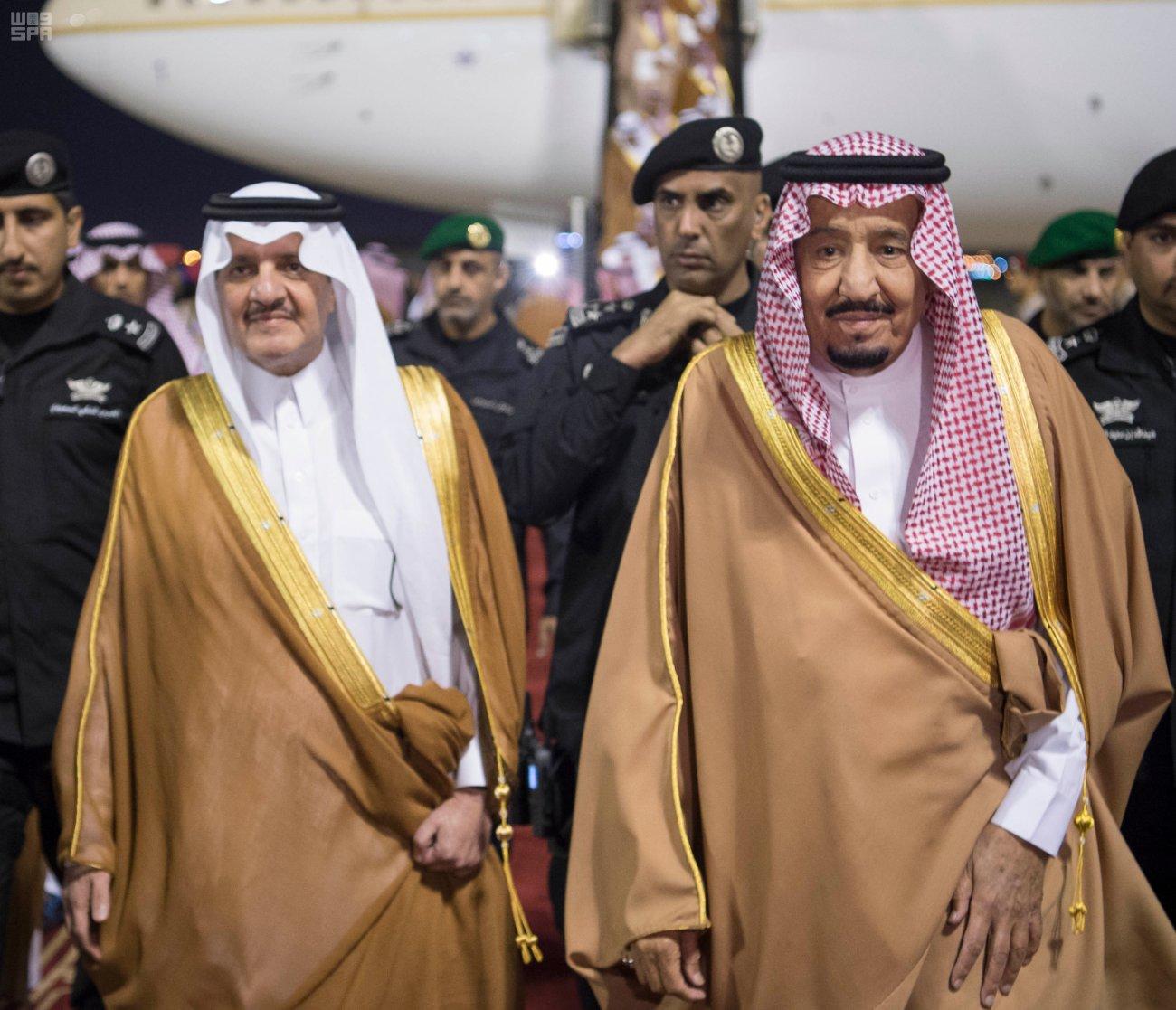 خادم الحرمين الشريفين يصل إلى المنطقة الشرقية قادماً من الرياض