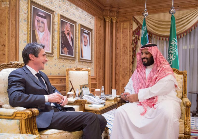 ولي ولي العهد يلتقي رئيس شركة تاليس لبحث توطين الصناعات العسكرية