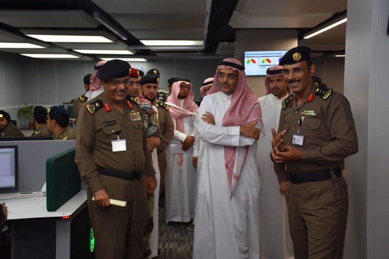 زيارة مساعد وزير الداخلية لمركز عمليات ٩١١ بمنطقة مكة المكرمة