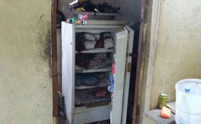 """""""بلاغ مواطن"""" يؤدي إلى إتلاف أكثر من ٤٠٠ كجم من اللحوم والدواجن بشقة سكنية"""