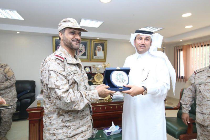 """قائد قوة جازان يثمن دعم """"السعودية"""" للجنود المرابطين على الحدود"""