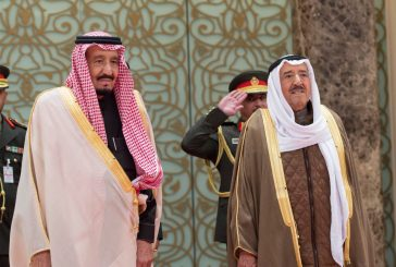 خادم الحرمين يصل إلى دولة الكويت