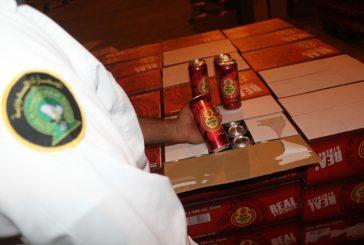 """جمرك البطحاء يحبط محاولة تهريب أكثر من 50 ألف علبة """"بيرة بالكحول"""""""