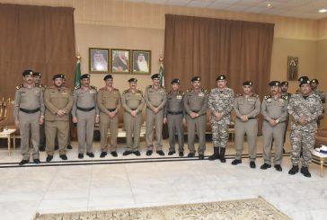 مدير الأمن العام يقلد عدد من ضباط الأمن العام رتبة لواء بعد صدور الامر الكريم