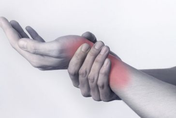 6 طرق للتخلص من أوجاع متلازمة النفق الرسغي