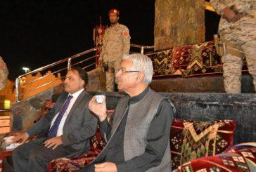 معالي وزير الدفاع الباكستاني يزور قرية الباحة التراثية بالجنادرية