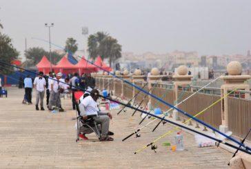 """200 مشارك في مسابقة """"صيد الأسماك"""" بالجبيل"""