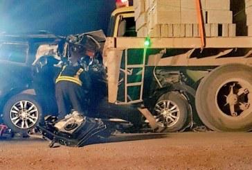 وفاة مدير مرور #ضرماء وزوجته وابنته في تصادم مروع بشاحنة