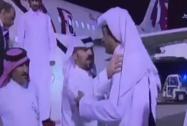 شاهد..لحظة استقبال الشيخ تميم المخطوفين بالعراق