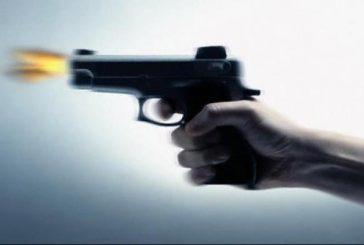 شاب بأبها يقتل والدته بإطلاق النار عليها.. الأمن تُطيح به