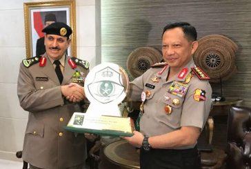 مدير الأمن العام يلتقي القائد العام للشرطة في اندونسية