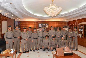 مدير شرطة منطقة المدينة المنورة يقلد عدد من الضباط رتبهم الجديدة