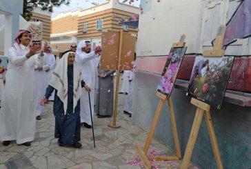 """""""العمرة"""" يفتتح معرض نادي عسير الفوتوغرافي للورد الطائفي بالمفتاحة"""