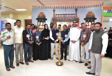 السفير الهندي يزور مهرجان تراث الشعوب في الجبيل الصناعية