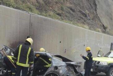 حادث مروري يصرع شخصين ويصيب شخص في الباحة