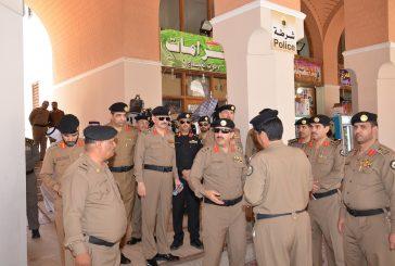 زيارة مدير شرطة المدينة لمواقع النقل ومواقف المسجد النبوي