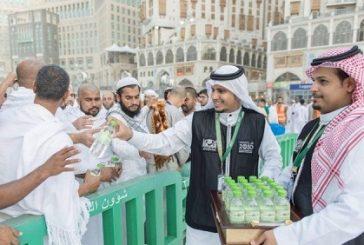 500 ألف عبوة زمزم وُزعت خلال عشرون يوماً بالمسجد الحرام