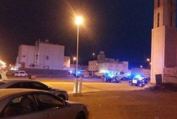 الجهات الأمنية تحاصر مطلوبين في حي العسيلة بمكة