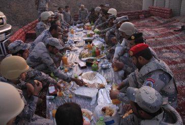 مدير حرس الحدود يتفقّد المناطق الجنوبية ويشارك المرابطين إفطارهم