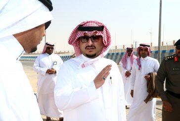 نائب أمير الجوف يتفقد مقر احتفالات اليوم الوطني على بحيرة دومة الجندل