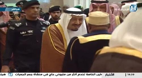 خادم الحرمين: المملكة تمثل قلب العالم الإسلامي وتستشعر آمال وآلام المسلمين