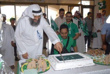 """طلاب جمعية""""إيفاء"""" يحتفلون باليوم الوطني.. وتوقع عقدا لبواقي الهلل مع أحد الجهات التجارية"""