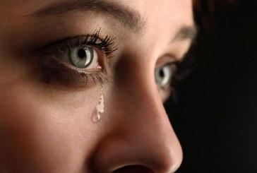 مفاهيم خاطئة حول دمع العين