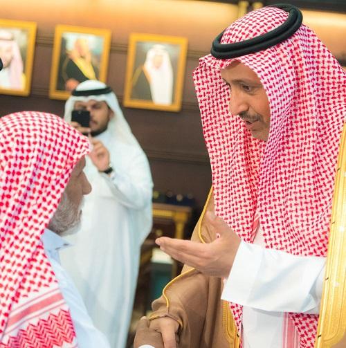 أمير منطقة الباحة يستقبل ذوي شهيدي الواجب أحمد وناصر الزهراني