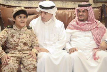 وزير الخارجية يقدم العزاء لذوي الشهيد الملازم عبدالله بن مهدي آل فاران