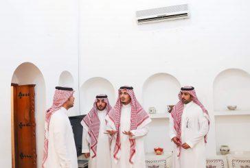 """الأمير أحمد بن فهد يزور """"بيت البيعة"""""""