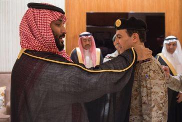 ولي العهد يقلد قائد القوات البحرية رتبته الجديدة
