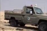 حرس الحدود بالجبيل ينقذ شخصين علقت سيارتهم بالرمال